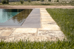 basolato_in_pietra_bordo_piscina
