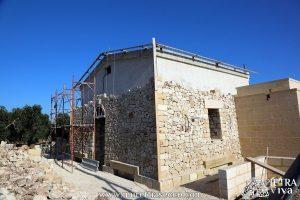 Realizzazione di un rivestimento in pietra a secco
